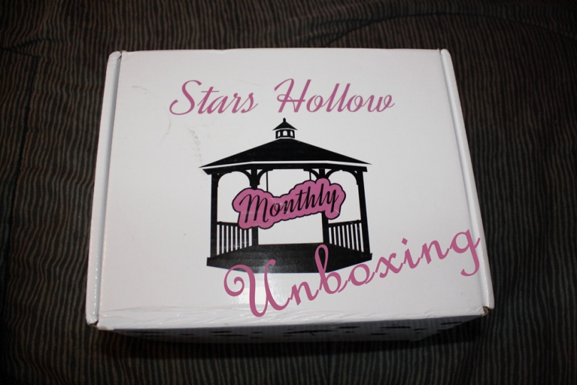 Stars Hollow Monthly Unboxing